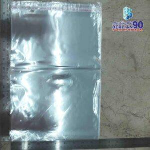 PLASTIK OPP EKONOMIS 25 X 35 CM / PLASTIK KAOS / PLASTIK GARMENT